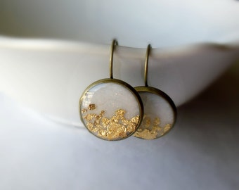 White and gold dangle earrings- Elegant round earrings- Bridal jewelry