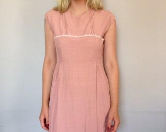 SALE 1950s Wiggle Dress in Mauve