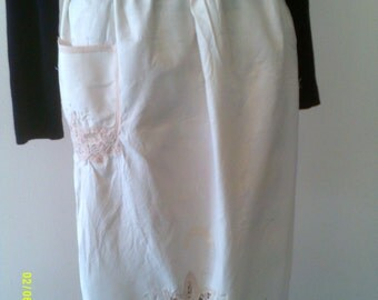 Vintage Battenburg Cotton and Lace Waist Apron, Vintage Aprons, Battenburg Apron, Waist Aprons, Lace Aprons, Dress Aprons, Sunday Aprons