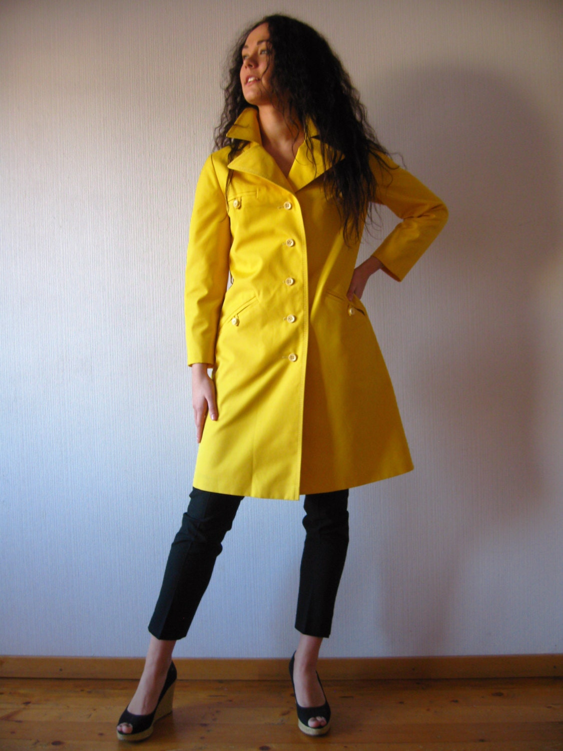 Vintage 70s Bright Yellow Trench Coat Womens Raincoat Lining