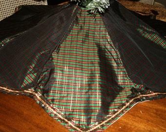 Christmas Tree Skirt, 4 Stockings Set