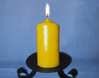 Natural beeswax candle, duration 18 h.