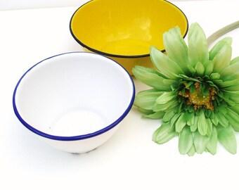 Vintage Graniteware Dishes, Metal Bowls, Enamel Dishes, Granite Ware Serving Bowls