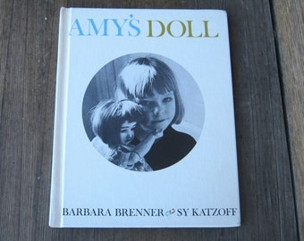 Sweetest Vintage Book about Little Girl & Her Doll In New York - Amy's Doll by Barbara Brenner - 1960s Children's Book - Girl Gift Book