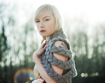 Braided Shrug in Grey