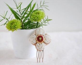 Eve - flower haircomb, simple bridesmaid headpiece