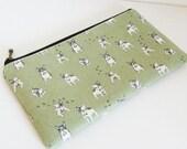 Flat  zipper pouch  - French bulldog in green