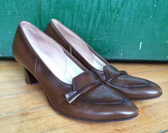 Classic 60s brown leather heels woman's size 8