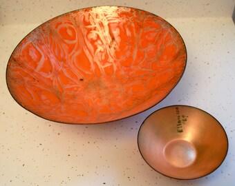 2 Orange bowls