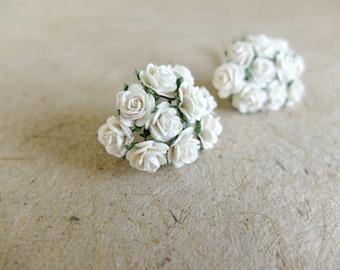 20 10mm off white / cream paper roses - 1cm paper roses