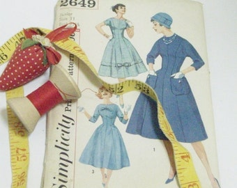 Vintage1950's Simplicity Dress Pattern | Factory Folded Vintage Pattern