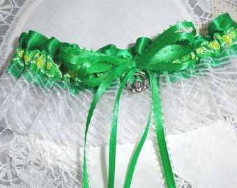 Irish at Heart Garter-St Patrick's Day-St Paddy's-Irish Wedding-Wearin' O' The Green-Éirinn go Brách-Erin Go Bragh-Celtic Wedding