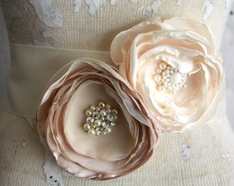 Bridal sash, Champagne and ivory dress sash, Fabric flower bridal belt in champagne and ivory