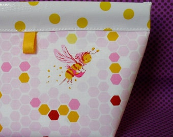 Sweeetest Bee Oilcloth Snappy Pouch - 2 Sizes