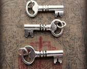 Vintage Key Charm in silver