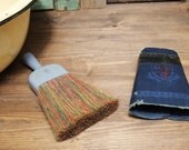 Free Shipping Lovely vintage Wisk broom with colorful bristles clothing brush with metal handle and wrapper Certa Veriliter