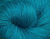 "MYS 622 Yarn ""SEA"" -superwash merino,yak, silk yarn - 100 grams 400 yards"
