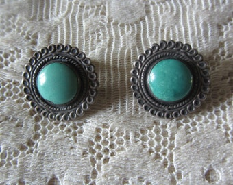 Vintage Sterling Silver Clip Earrings with Beautiful Green Turquoise Stone