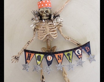Halloween Decoration Cute Skeleton Trick or Treat Halloween Ornament Halloween Party