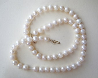Genuine Pearl Necklace 14K Gold Clasp Vintage 60s