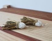 White and gold earrings , Inspiration by the sea from Bijoux Tricot, bridal, chic fashion