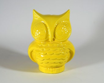 Yellow Owl Bank Vintage Design