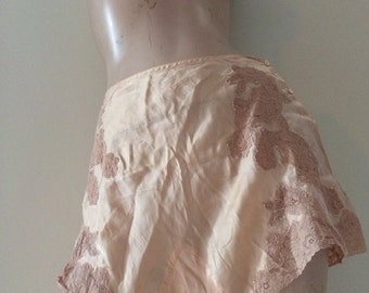 ANTIQUE Silk Embroidered Lace Inset Double Gusset Pinup Tap Panties Flapper Prohibition era Bloomers Sissy Pale Pink Peach Vintage