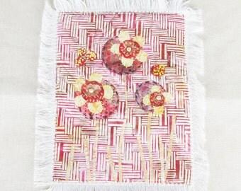 fabric appliqued mini quilt, floral mini quilt wall hanging, applique fabric art