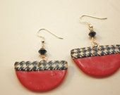 Earrings w/ Houndstooth accent