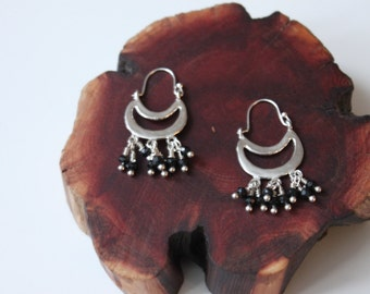 silver hoop earring with black spinel beads Frida Kahlo