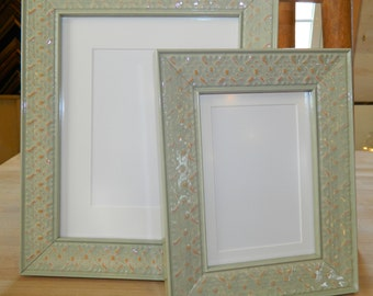 "5 x 7"" Picture Frame - Light Green / Wasabi - Wood Gloss - Mat for 4 x 6"""