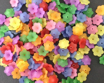 Assorted Plastic Flower Bead Caps (50) bds1006A