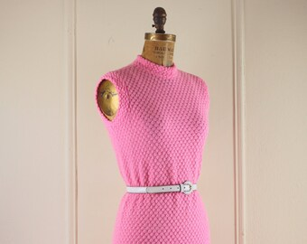 vintage 1960s Bubble Gum Pink Knit MOD Shift Dress - size medium to large