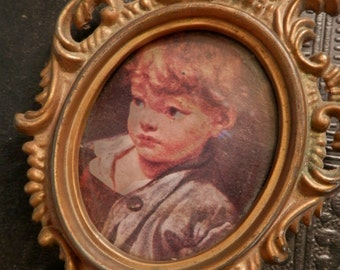 Vintage Miniature Oval Frame 4 1/2 x 3 inches With Charming Child Print