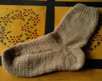 Hand Knit  Wool Socks  Womens Size Medium 7-9 Beach Sand