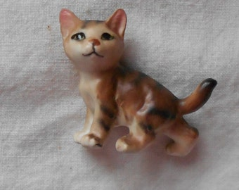 1950 s CAT FIGURINE VINTAGE collectible ceramic, hand painted, feline, made in Japan