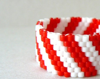 Red and White Stripe Ring Candy Cane Striped Beaded Band Beadwoven Ring Bead Weaving Made to Order Beadwork Jewelry