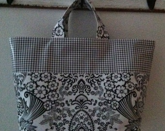 Beth's Medium Black Paradise Oilcloth Market Tote Bag