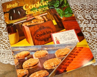 1977 ideals Cookie Cookbook, Recipes, Old Fashion Cereal, Spice Cookies, Darlene Kronschnabel (785-13)