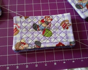 Raggie Ann and Andy quilted Fabric Checkbook Cover Homemade