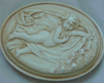 Vintage Plaster/Chalkware Winged Cherub Paperweight