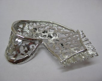 Scarf Silver Filigree Brooch Vintage Pin