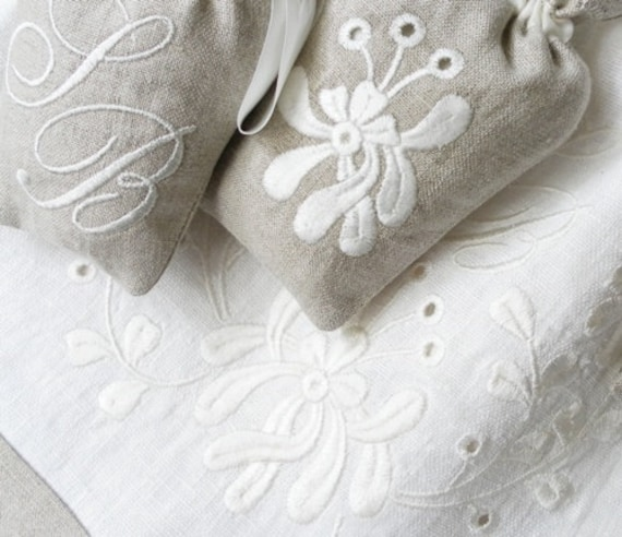 Eyelet elegance machine embroidery designs sc d and