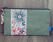 Purse - Wallet - Money Pouch - Coin Purse - Two Zip Pockets - Ladies - Card holder - Taupe - Beige - Ecru - Natural - Red - Flowers