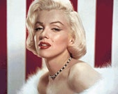 Gorgeous Marilyn Monroe in Fur - Counted Cross Stitch Pattern