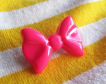 SUPER CUTE PROMO : Pink Bow Brooch