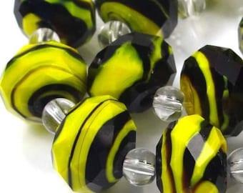 14 Czech glass Faceted Rondelle Beads - Yellow Black Swirl 12x8mm (e7124)
