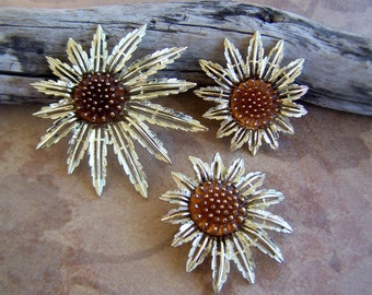 Vintage Jewelry Sarah Coventry Amber Sunflower Goldtone Brooch/Pendant and Clip Earrings, Late 1960s