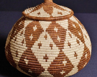 "Vintage African Zulu Beer Basket - Ukhamba 9"" H X 27""C"