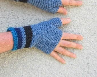 men's texting gloves/ heather blues crochet